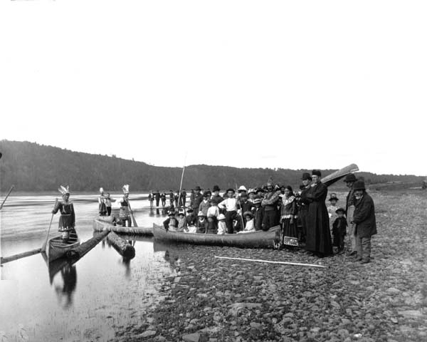 Maliseet chiefs meet clergy by the Wolastoq River